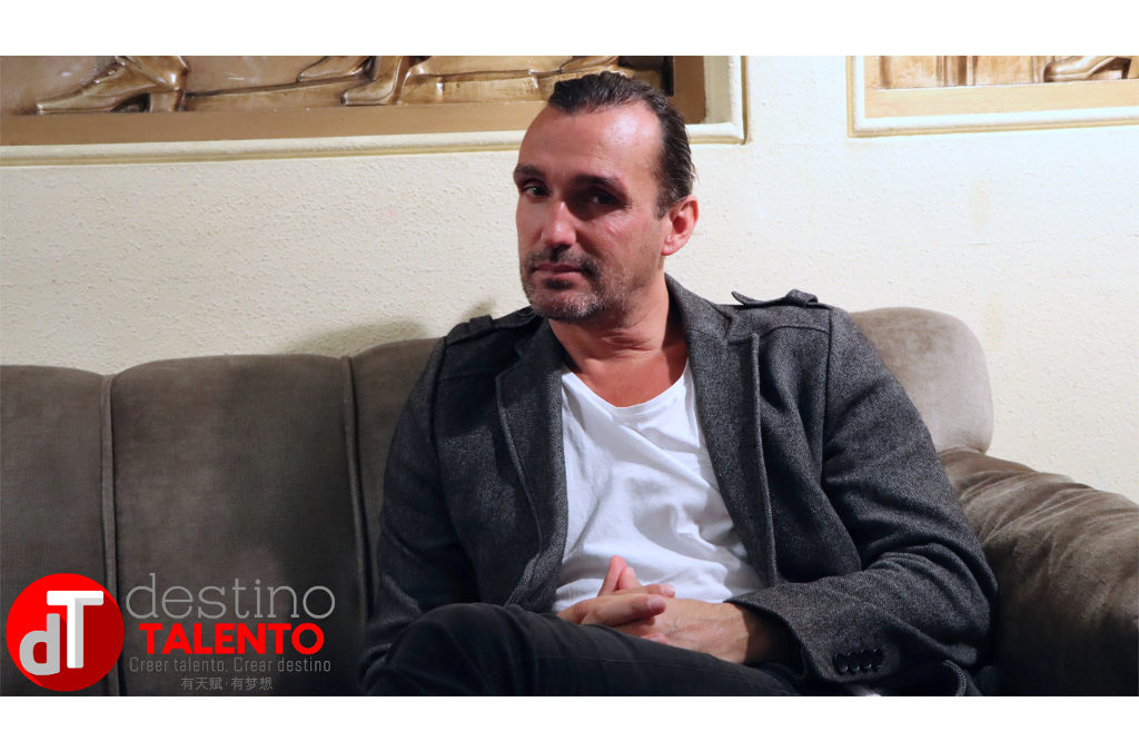 Rafa Méndez nos invita a 'Canarias no solo plátanos'